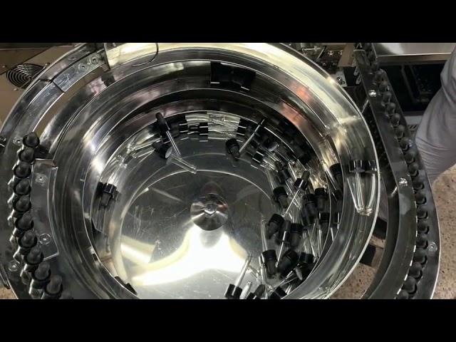آلة تعبئة وتغطية الزجاجات من نوع ميكانيكية cbd
